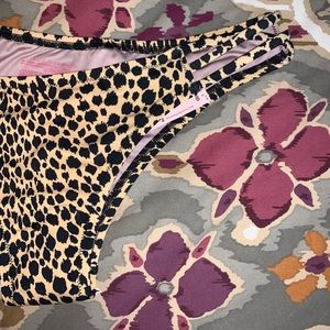 Strappy Cheeky Bottoms, leopard print, NWT, Large